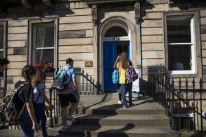 CES (Centre of English Studies) – Edinburgh Dil Okulu